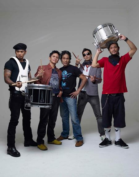 20101101_033726_drummers