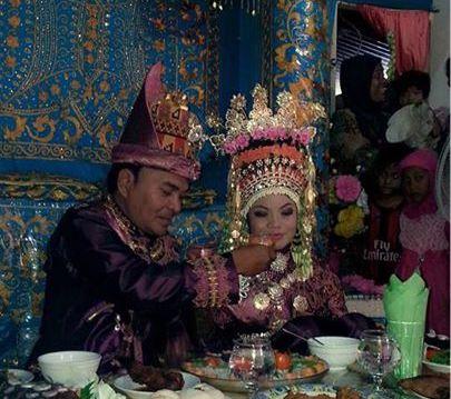 Adek menikah